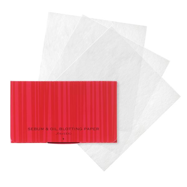 くすみのもとになる皮脂もスッキリあぶらとり紙
